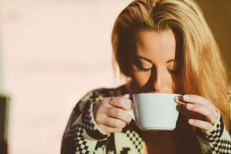 Hoofdpijn, drink koffie!